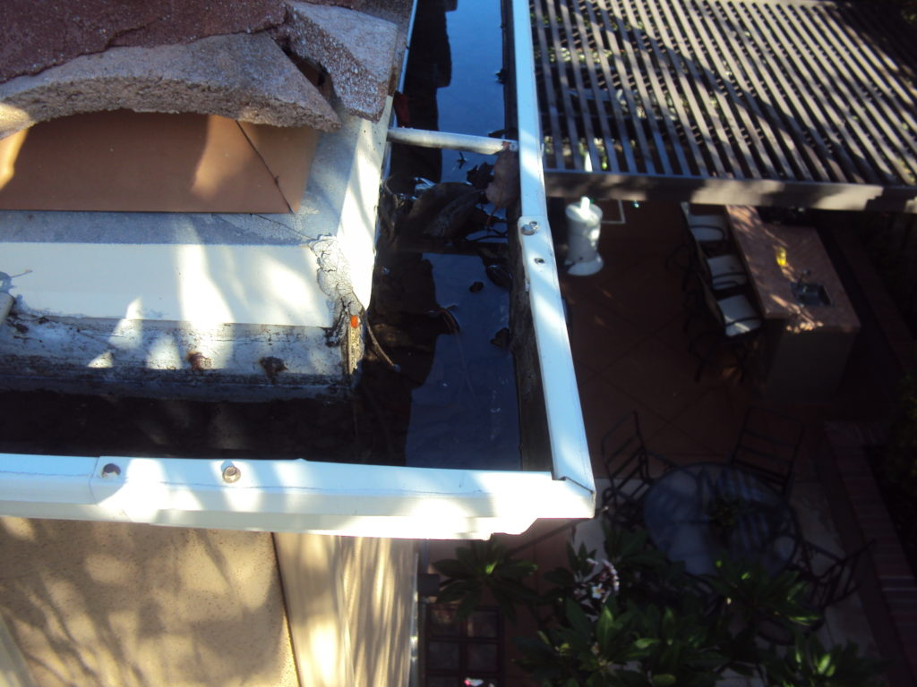 Newport Beach Rain Gutter Cleaning